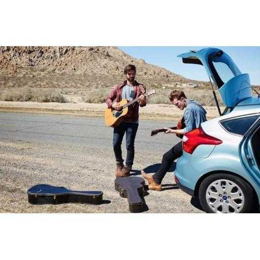 What are the issues of travelling by car with a guitar?